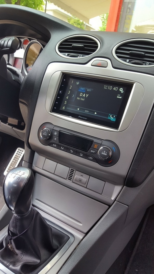 Ford Focus - Pioneer SPH-DA120 CAR PLAY