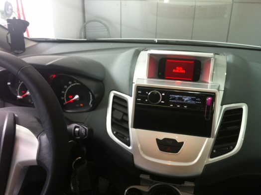 FORD FIESTA 2010 - Pioneer DEH-9300SD