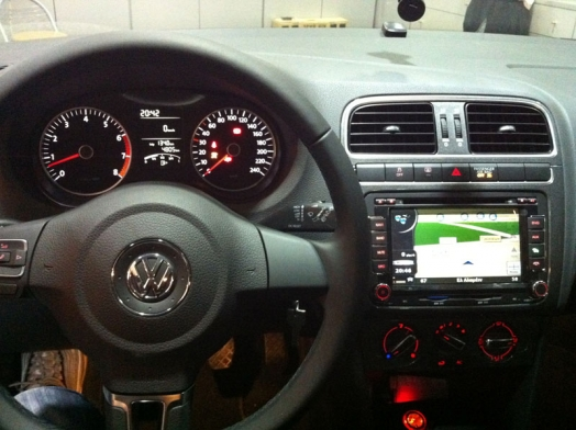 VW Polo 2011-LM8904