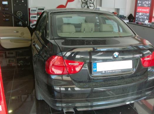 BMW 318i 2008-PARROT CK-3100 LCD